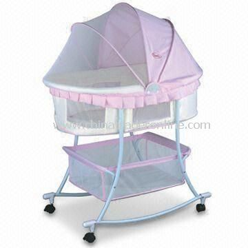 Multifunctional Baby Cradle Bed/Crib with Large Storage Basket and Swivel Wheels