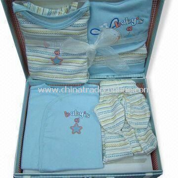 Baby Clothing Set with Gift Box, Includes Suits and Sleeper