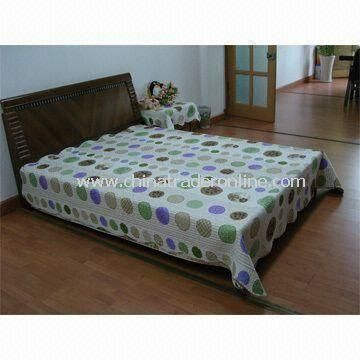 Printed Bedding Set, Includes One Quilt and Two Pieces Pillow Cases, Available in Various Designs from China