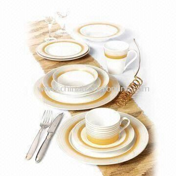 30-piece Round Porcelain Dinnerware Set with Gold Decal, Service for 6 Persons