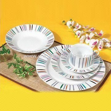 Dinnerware Set, Made of White Porcelain Material and AB Grade, OEM Order Welcomed