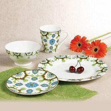Round Dinnerware Set, Made of White Porcelain Material, OEM Order Welcomed