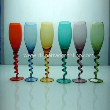 Colored Champagne Glasses with Swirling Stem and 4.8cm Top Diameter