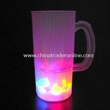 PP Plastic Beer Mug with 600mL Capacity and Five LED Flashing Lights, Measures 84 x 169mm
