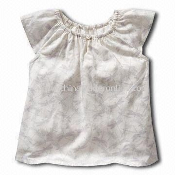 Babies T-shirt/Tees/Top with One Rubber Button on the Middle of Round Neck