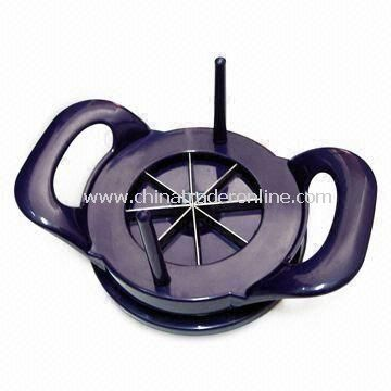 Fruit Cutter, Measures 16.5 x 13.5 x 4.3cm, Available in Black