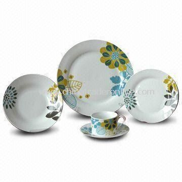 30 Pieces Dinner Set with Decal, Available in Various Sizes, Made of Porcelain