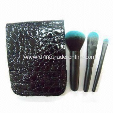 3-piece Travel Makeup Brush Set with Blue Tip Taklon Hair, Shiny Black Wood Handle