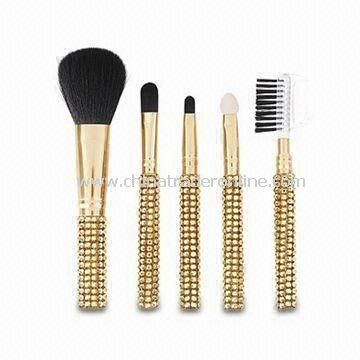 Travel Makeup Brushes with Plastic Handle, OEM or ODM Orders are Welcome from China