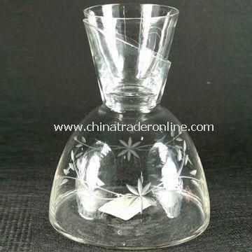 Clear Glass Decanter, Comes with Cup, Used for Decoration