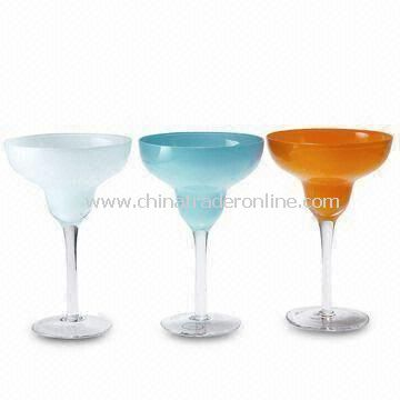 Solid Color Cocktail Glass, Made by Hand, Measures 11.9 x 18.0cm
