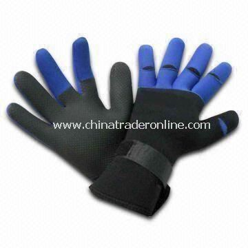 Sports Gloves with Neoprene Lamination, with Hook-and-loop Closure