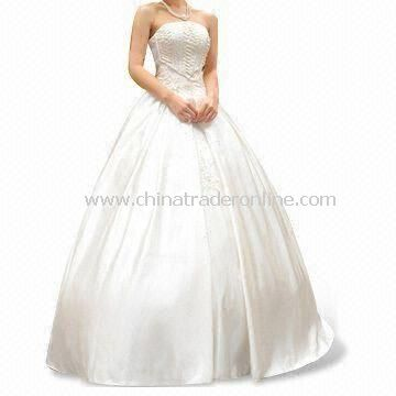 Strapless Sweetheart Soft Net Wedding Dress with Ruffle Skirt and Ruched Bodice