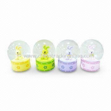 Crystal/Music/Globe Christmas Gift Water Ball, Customized Designs and Colors are Welcome from China