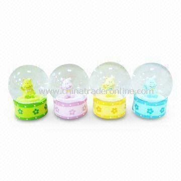 Crystal/Music/Globe Christmas Gift Water Ball, Ideal for Home Decorations, Made of Polyresin/Glass