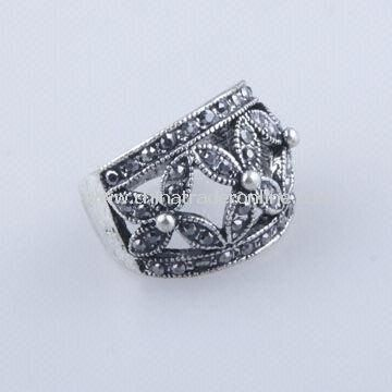 High-grade Alloy Anti Silver-plate Ring in Latest Style/Special Design, with Rhinestones and Pearl