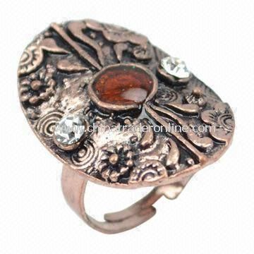 Vintage engraved ring, made of alloy and China A stone, available in various designs and colors