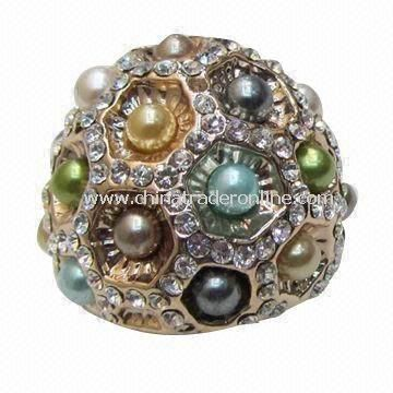 Alloy Ring Decorated with Imitation Pearl and Crystal, Various Colors/Plating are Available