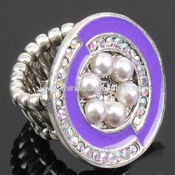 Alloy Ring with Flower Shape Accessory and Plastic Pearls, OEM Orders are Welcome