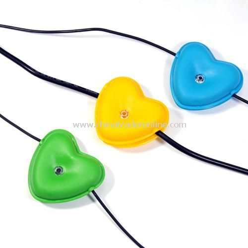 Heart-shaped sea hub / cable management. color random from China