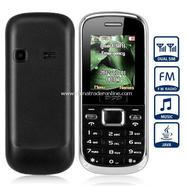 D800 Quad Band Dual SIM Cell Phone with Bluetooth FM Flashlight (Black)